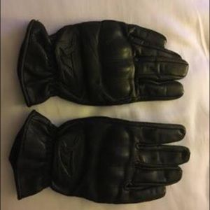 Leather ladies Motorcycle Gloves reinforced.